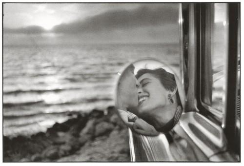 California, 1955. Foto di Elliot Erwitt.