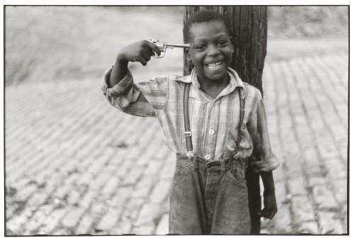 Pittsburgh, Stati Uniti, 1950. Foto di Elliot Erwitt.