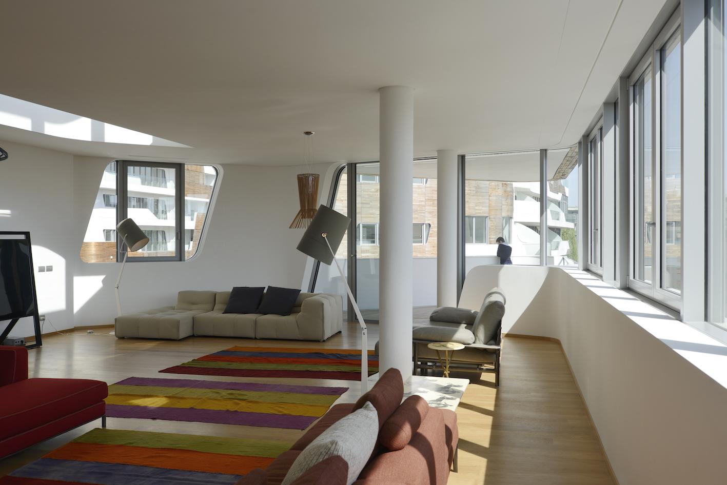 Citylife milano hadid libeskind residenze klat for Attico libeskind milano