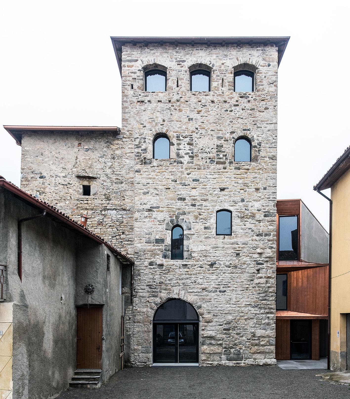 Torre Del Borgo, Villa d'Adda