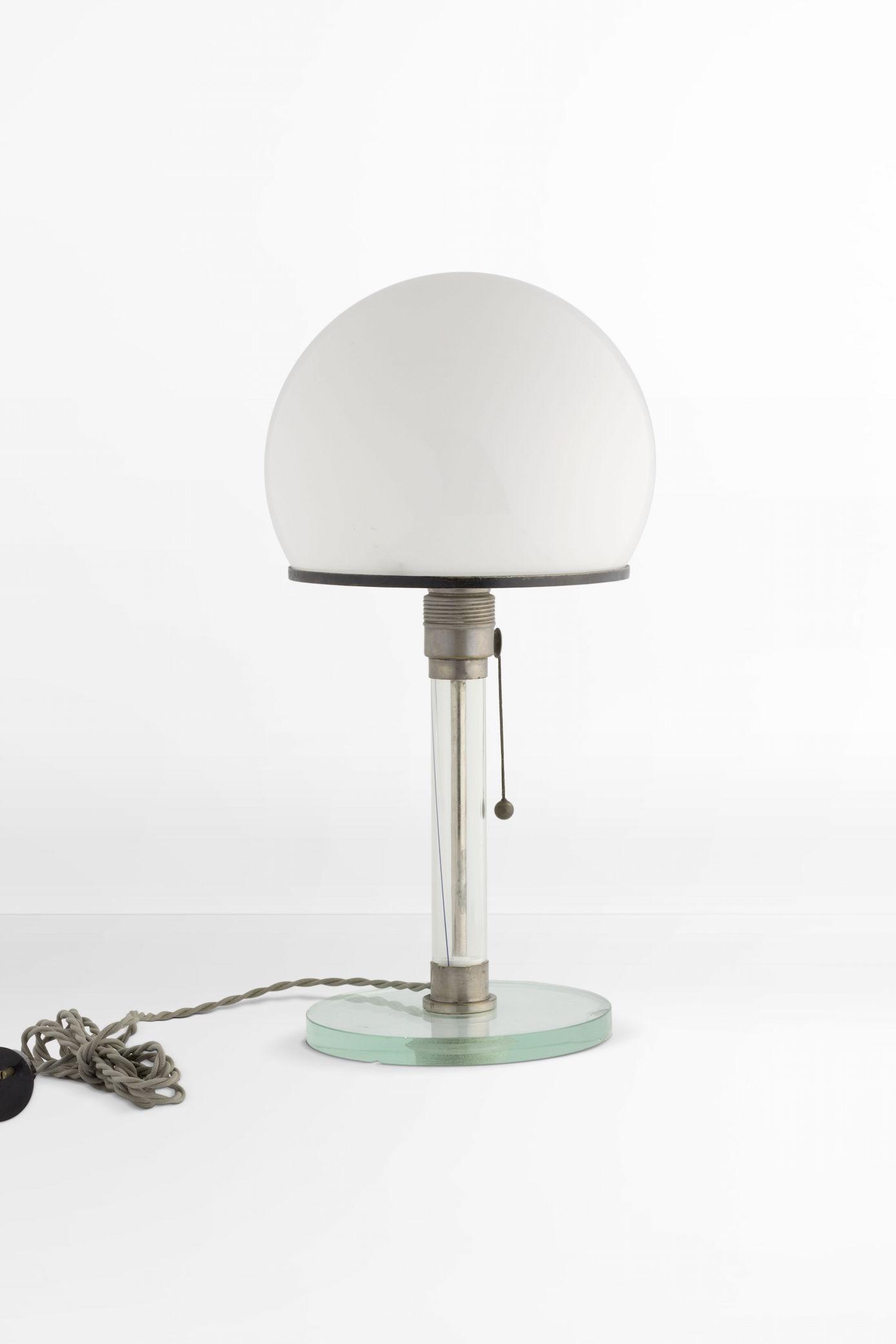 Wilhelm Wagenfeld, Carl Jakob Jucker, desk lamp ME 1 /MT 9, 1923/1924. 2015. © VG Bild-Kunst Bonn.
