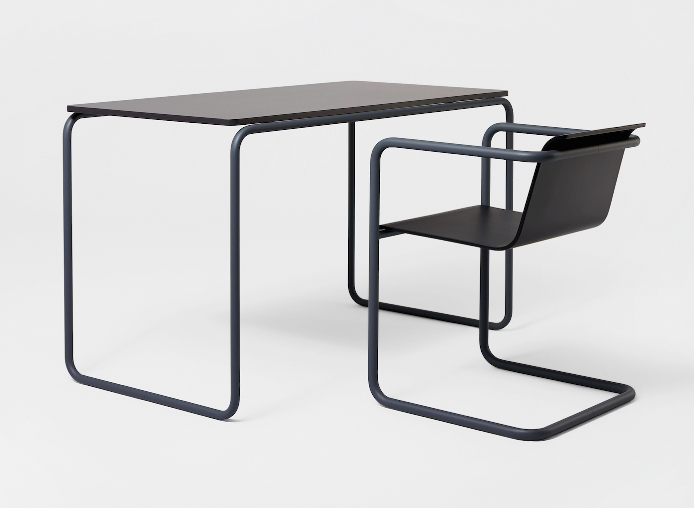 Konstantin Grcic, Pipe table and chair, 2009, Collection Vitra Design Museum. Photo: Florian Böhm.
