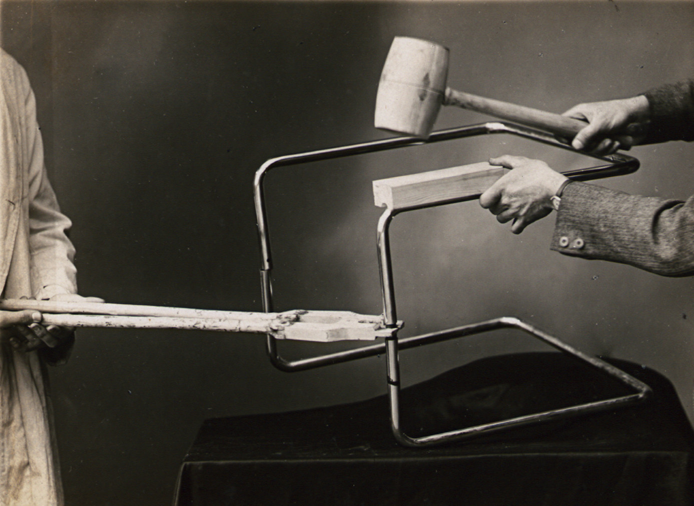 Photograph from an instruction manual for the usage of tools, Thonet brothers, 1935. Collection Alexander von Vegesack, Domaine de Boisbuchet.
