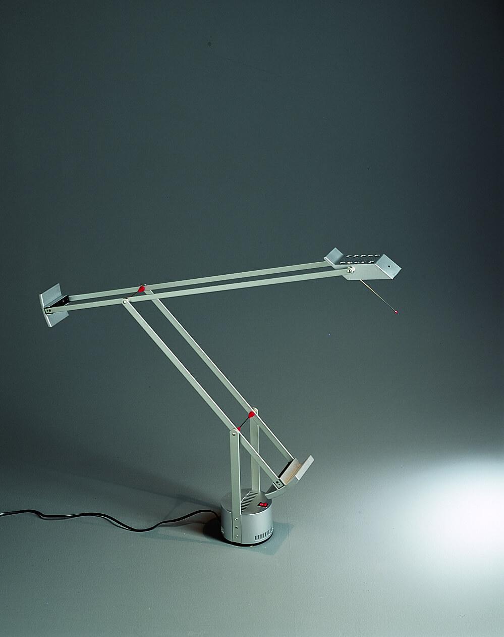 Lampada Tizio di Richard Sapper per Artemide.