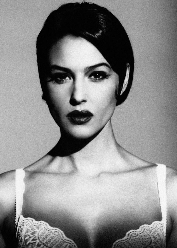 Monica Bellucci, 1999. Foto: © Giovanni Gastel.