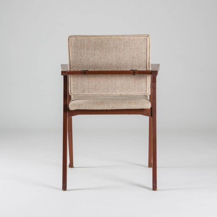 Poltroncina Luisa, design di Franco Albini per Cassina.