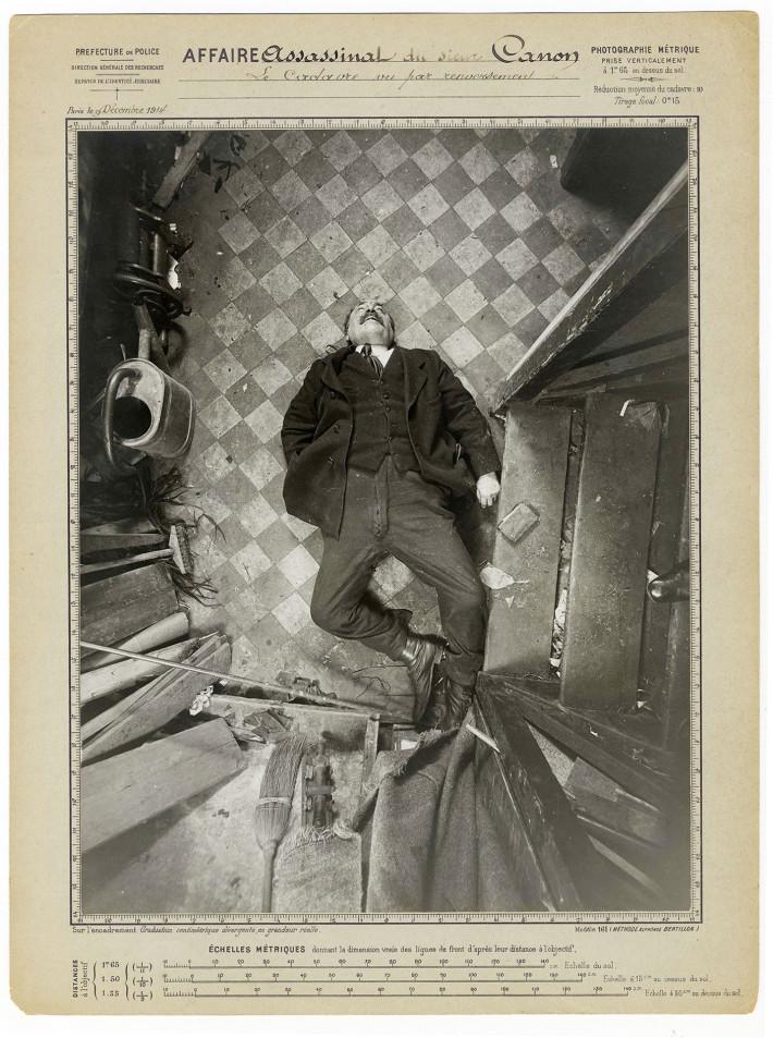 Protocollo di Alphonse Bertillon, Assassinio di monsieur Canon, boulevard de Clichy, 9 dicembre 1914: vista per capovolgimento / Préfecture de police de Paris, Service de l'Identité judiciaire. © Archives de la Préfecture de police de Paris.
