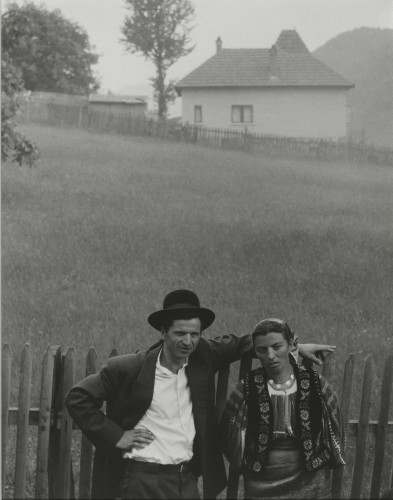 Paul Strand, Couple, Rucăr, Romania, 1967. © Paul Strand Archive, Aperture Foundation.
