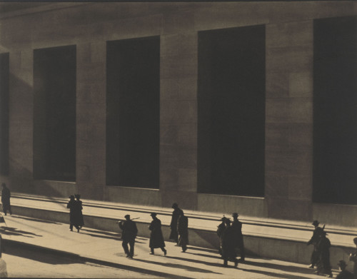 Paul Strand, Wall Street, New York, 1915. © Paul Strand Archive, Aperture Foundation.