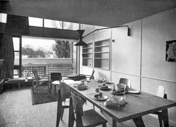 Foto d'epoca della zona giorno dell'Unité d'habitation di Le Corbusier, Marsiglia, 1947-1952.