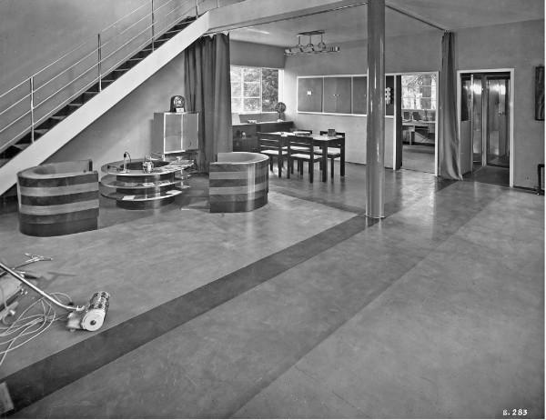 """Luigi Figini e Gino Pollini, """"Casa Elettrica"""", IV Triennale, Monza, 1930."""