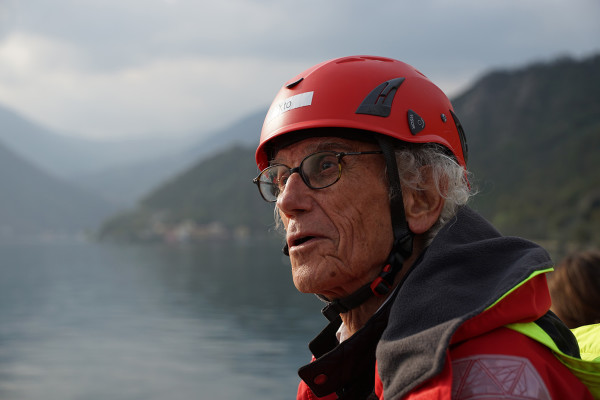 Christo during the construction of the project, Lake Iseo, February 2016.