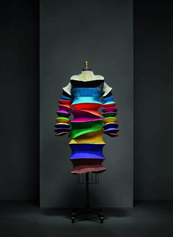 """Flying Saucer"" Dress, Issey Miyake (Japanese, born 1938) for Miyake Design Studio (Japanese, founded 1970), spring/summer 1994 prêt-à-porter; Courtesy: The Miyake Issey Foundation and The Metropolitan Museum of Art."