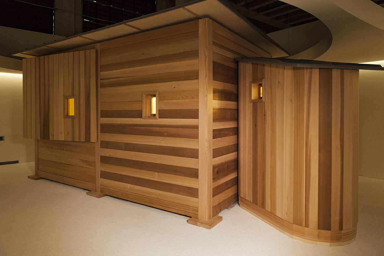 """Con """"La petite Chambre"""" Umberto Riva propone un suo personale Cabanon, il rifugio costruito da Le Corbusier in Costa Azzurra nel 1952. È un pretesto per riflettere sullo spazio essenziale per l'uomo."""