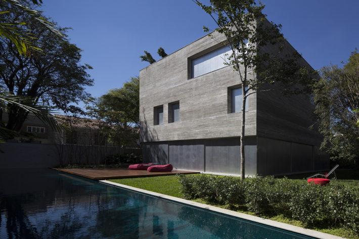 Casa Cube, San Paolo, Brasile, 2012. Progetto architettonico: studio mk27 - Marcio Kogan e Suzana Glogowski. Progetto interni: studio mk27 - Diana Radomysler. Foto: Fernando Guerra.