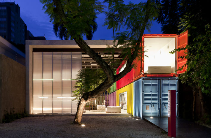 Decameron, San Paolo, Brasile, 2011. Progetto architettonico: studio mk27 - Marcio Kogan e Mariana Simas. Foto: Pedro Vannucchi.