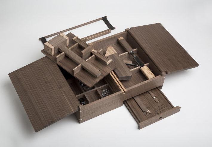 Kit del Legname, design di Giacomo Moor e Giordano Vigano per Fondazione Cologni, Living e yoox.com, 0000. Foto: Laila Pozzo.