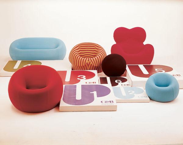 La Serie UP al completo: ogni elemento è affiancato al relativo imballaggio progettato da Enrico Trabacchi, 1969.