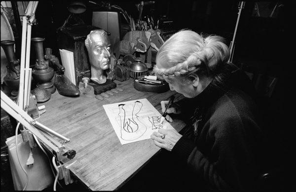 Carol Rama nel suo studio.