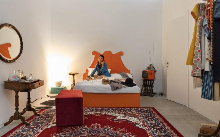 Giosetta Fioroni, La spia ottica – Ovvero la mia camera da letto, 1968 (2017).