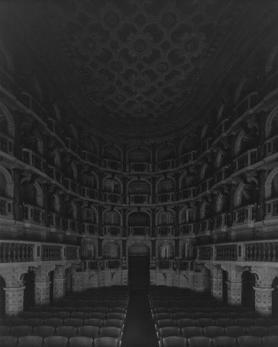 Hiroshi Sugimoto, Teatro Scientifico del Bibiena, Mantova, 2015. I Vitelloni (Seating side).