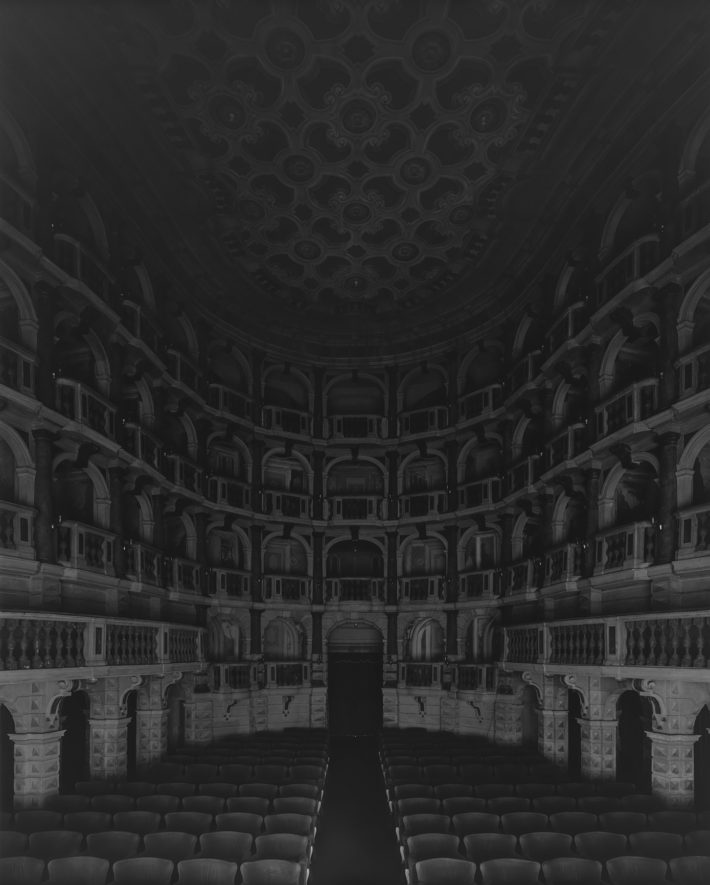 Hiroshi Sugimoto, Teatro Scientifico del Bibiena, Mantova, 2015. I Vitelloni (Seating side).
