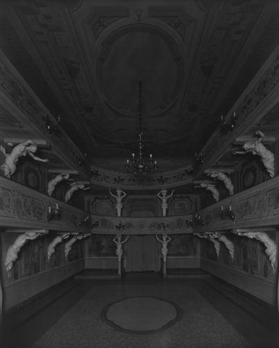 Hiroshi Sugimoto, Villa Mazzacorrati, Bologna, 2015. Le Notti Bianche (Seating side).