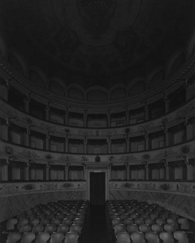 Hiroshi Sugimoto, Teatro Goldoni, Bagnacavallo, 2015. Gattopardo (Seating side).