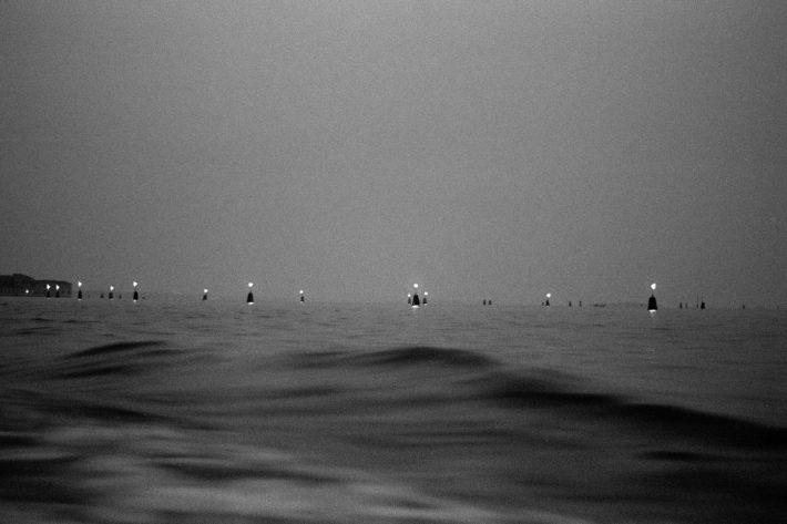 Il limite. Laguna di Venezia, 1989.