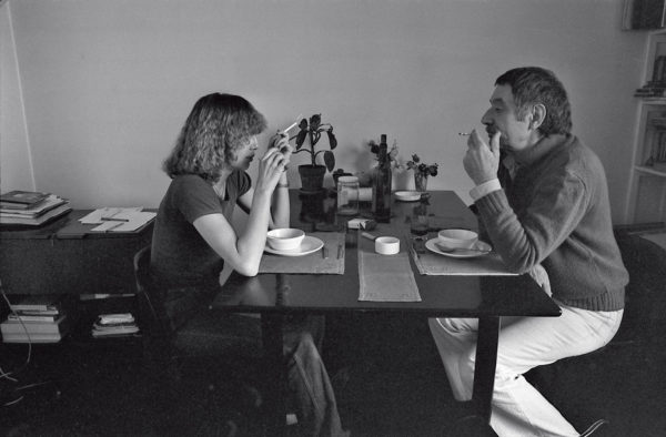 Barbara Radice e Ettore Sottsass, Milano, 1977. Autoscatto.