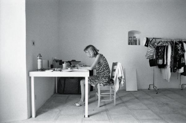 Barbara Radice, Filicudi, 1983. Foto: Ettore Sottsass.