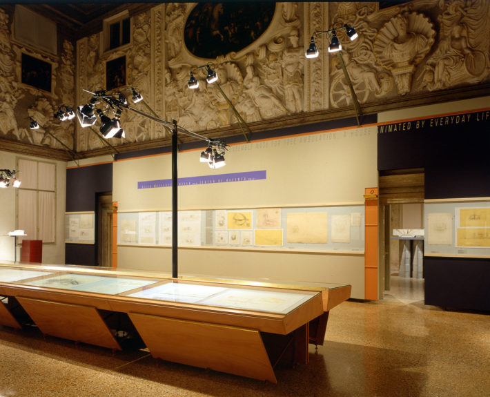 Display design of the exhibition Carlo Scarpa. Case e paesaggi 1972-1978, Palazzo Barbarano, Vicenza, 2000. The main hall. Photo: Paola De Pietri.
