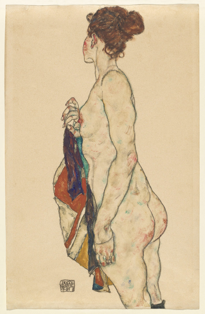 Egon Schiele,Stehender Akt mit Tuch(Standing Nude with a Patterned Robe), 1917.Gouache and black crayon on buff paper. National Gallery of Art, Washington. Gift of The Robert and Mary M. Looker Family Collection, 2016. Picture: Courtesy National Gallery of Art, Washington.