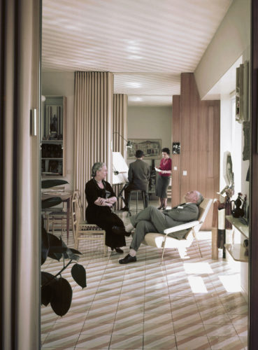 Gio Ponti and his wife Giulia Vimercati, apartment at Via Dezza 49, Milan, 1957. © Gio Ponti Archives, Milan.