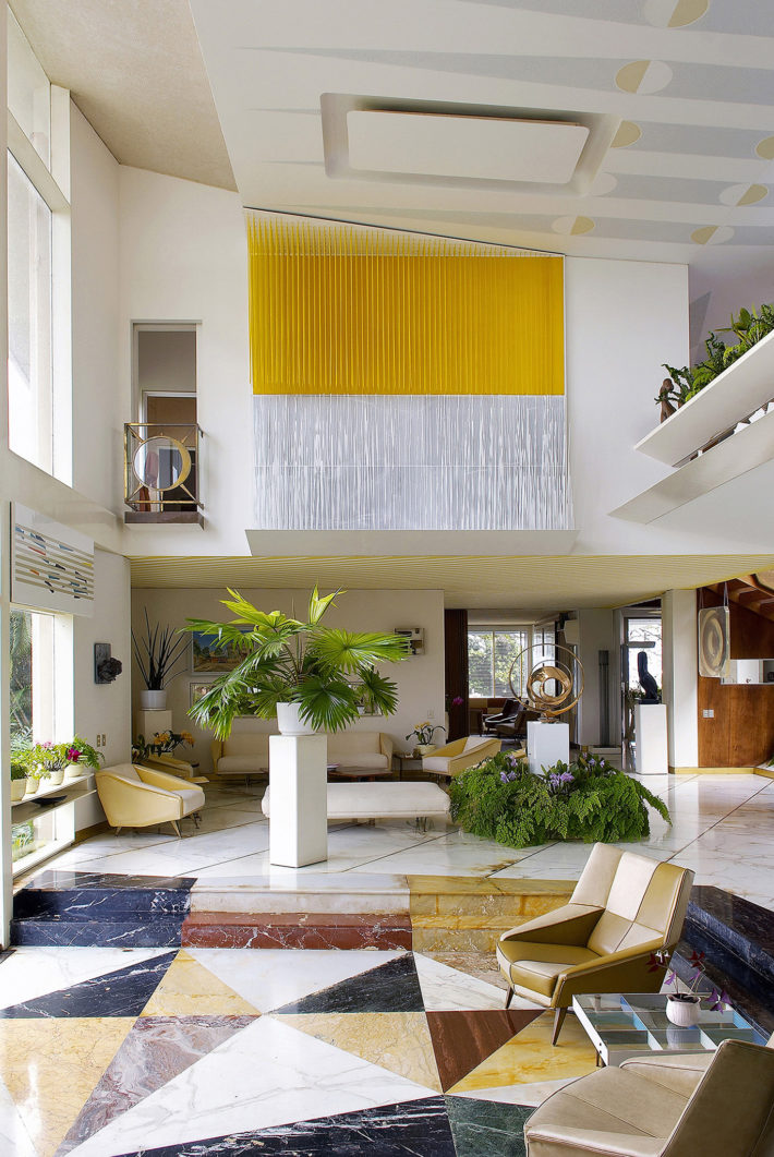 Living room of Villa Planchart, Caracas, 1953-57, designed by Gio Ponti. © Antoine Baralhé, Anala and Armando Planchart Foundation.