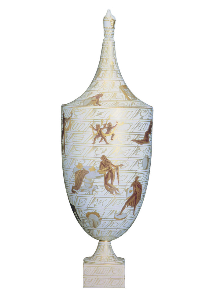 "La passeggiata archeologica (""An Archeological Stroll""), white porcelain with gold decorations, 1925-27, Gio Ponti for Richard-Ginori, Doccia. © Museo Richard-Ginori della Manifattura di Doccia, Sesto Fiorentino, Polo Museale della Toscana."