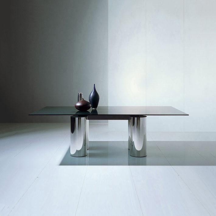 Serenissimo table, Acerbis, 1985. Design: Vignelli 1954-2014, © 2018 Mondadori Electa, Milan, and Beatriz Cifuentes-Caballero.