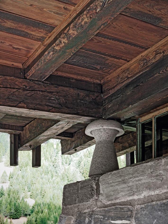 "Detail of the boléro, a 50-centimeter-high granite ""mushroom."" Photo:© Marcello Mariana."