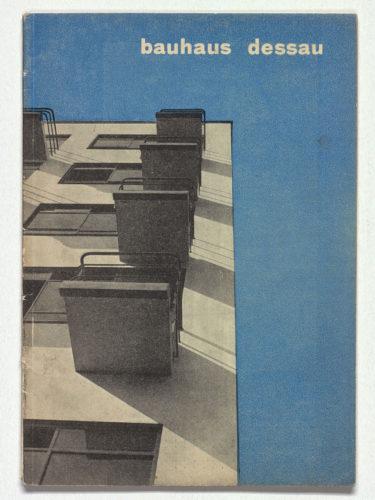 Herbert e Irene Bayer, prospetto di Bauhaus. Dessau. Hochschule für Gestaltung, 1927. Collezione privata, Paesi Bassi.