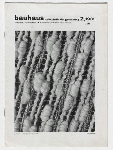 Copertina di Bauhaus: Zeitschrift für Gestaltung 2, 1931, con tessuto fotografato da Margaret Leischner. Collezione privata, Paesi Bassi.