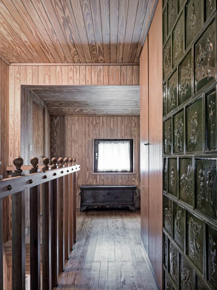 Corridoio di distribuzione al secondo piano. Foto: © Marcello Mariana.