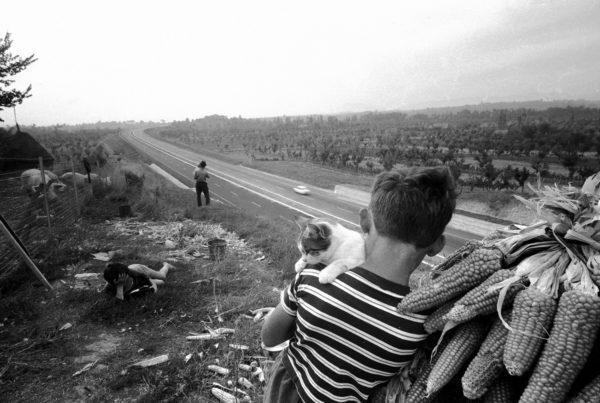 Autostrada del Sole, inaugurazione della tratta Roma-Firenze, 1962. Foto: Paolo Di Paolo, © Archivio Paolo Di Paolo.
