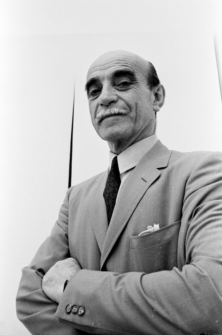 Lucio Fontana at the Venice Biennale, 1966. Photo: Paolo Di Paolo, © Archivio Paolo Di Paolo.