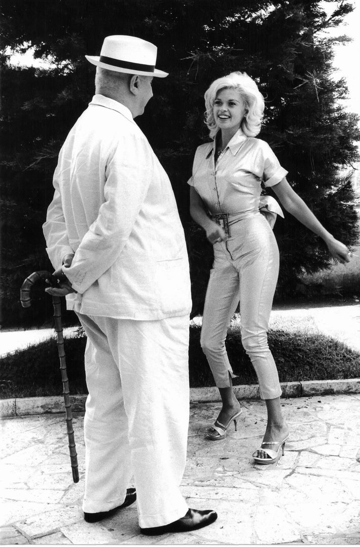 "Giovanni Ansaldo and Jayne Mansfield, from the series ""Gli incontri impossibili"" published in Tempo, 1961-62. Photo: Paolo Di Paolo, © Archivio Paolo Di Paolo."