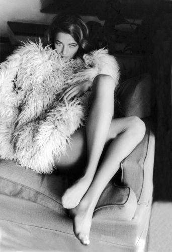 """Charlotte Rampling su set di """"Sequestro di persona"""", Sardegna, 1966. Foto: Paolo Di Paolo, © Archivio Paolo Di Paolo."""