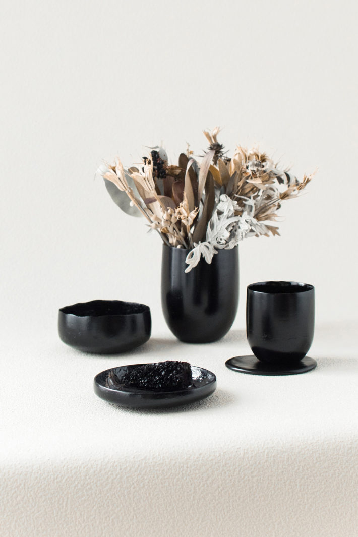 Kosuke Araki, Anima, charcoal, food waste, urushi, 2018. Photo and courtesy: © Kosuke Araki.
