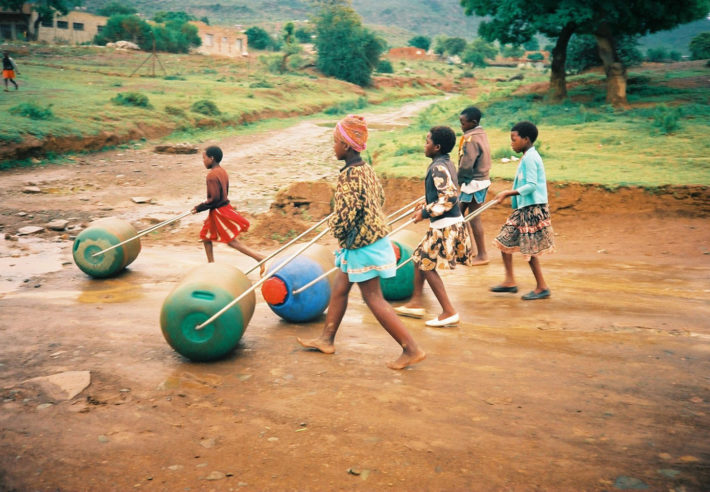 Pettie Petzer and Johan Jonker, Hippo Roller, device for collecting and carrying water, 1991. Courtesy Hippo Roller.
