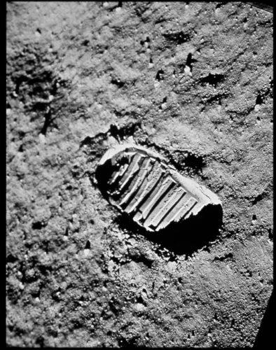 L'impronta del primo passo sulla Luna, 20 luglio 1969. Foto: © NASA.