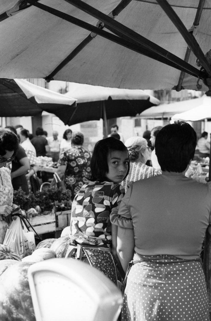 Campo de' Fiori, Roma, 1960. Foto: Giuseppe Loy, © Archivio Giuseppe Loy.